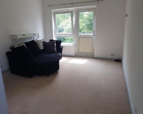 UB8 1UL, 1 Bedroom Bedrooms, ,1 BathroomBathrooms,Flat,For Rent,1014
